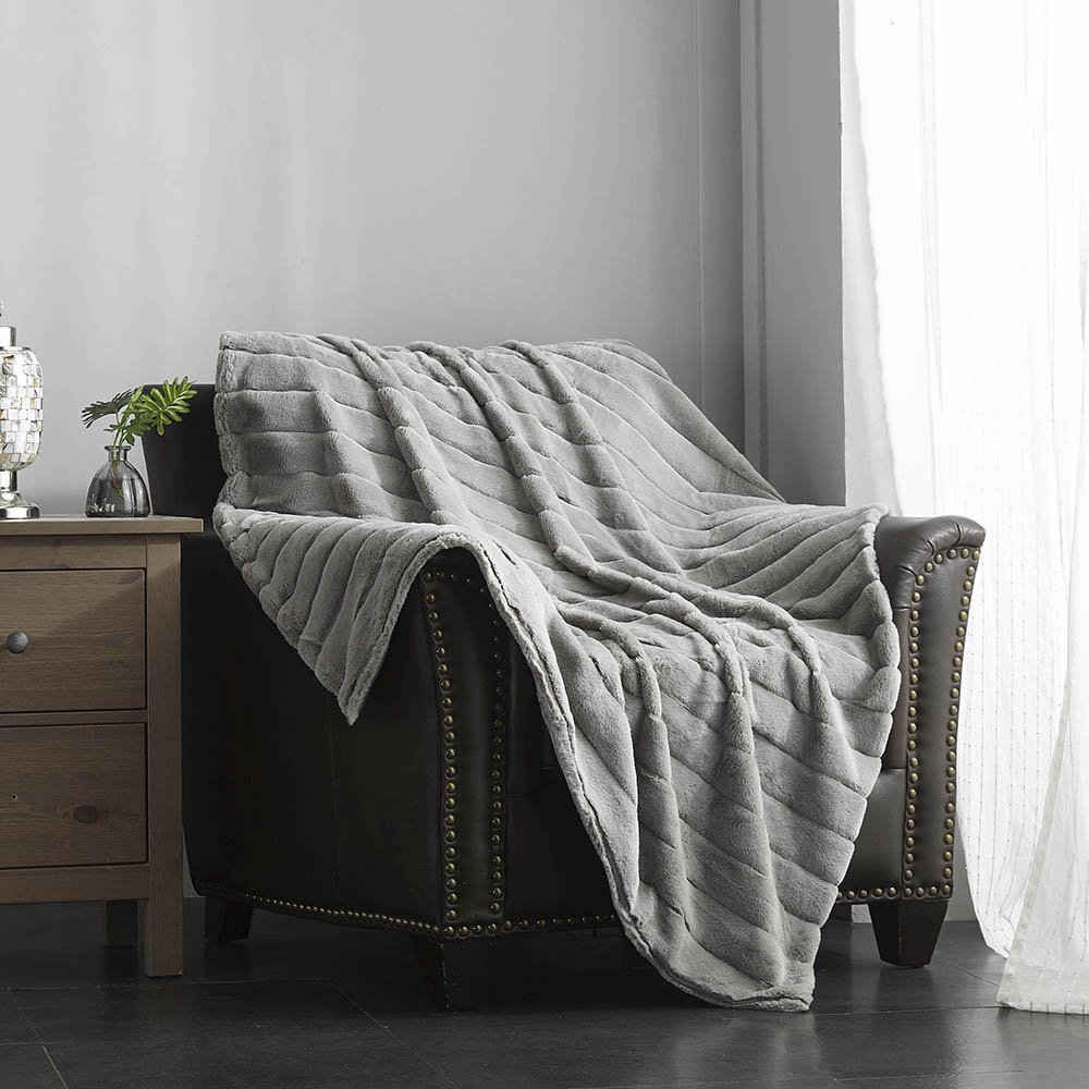 Solenn Ultra Plush Channel Quilted Throw - Silver