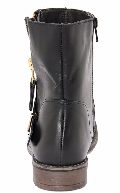 d0690ffd9b0c5 BuyInvite | Robero Carrioli LEATHER ANKLE BOOT MODEL WITH SIDE ZIPPER  CLOSURE AND TWO CROSSED LEATHER BAND DETAIL.